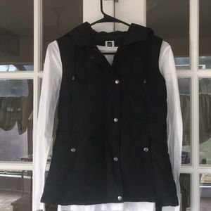 GAP black hooded zip up vest